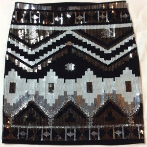 NWOT BEAUTIFUL SEQUIN SKIRT BLACK, WHITE & SILVER